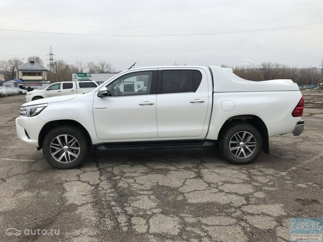 Toyota Hilux 2 8 #10